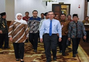 Gubernur Khofifah Tegaskan Komitmennya Berantas Korupsi Terintegrasi di Jatim