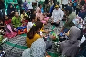 Gerak Cepat, Gubernur Khofifah Temui Korban Banjir di Madiun