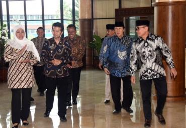 Dihadapan DPRD, Gubernur Jatim Usulkan Raperda Energi Terbarukan