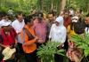Sambangi Petani Porang Nganjuk, Khofifah Komit Perjuangkan LMDH