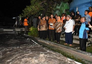 Gelap Malam, Gubernur Sidak Instalasi Limbah di Magetan