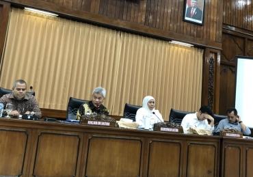 Tahun 2020, Khofifah Prediksi UMKM dan Infrastruktur Tumbuh Pesat